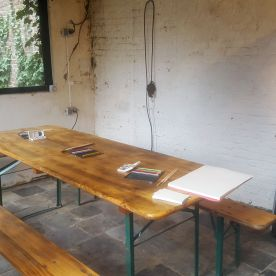 In het tuinhuisje bij de workshop van Annika Kappner